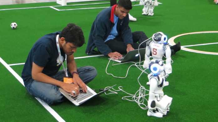 RoboCup-WM: Das Setup hat begonnen