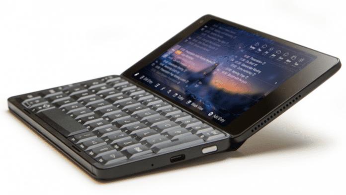 Smartphone mit Tastatur