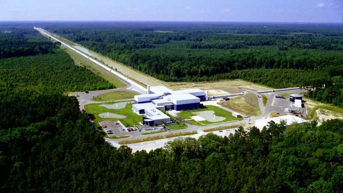 Gravitationswellen: Ein historischer Nachweis – aber welcher?