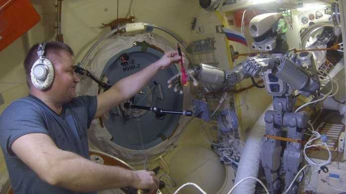 Humanoider Weltraum-Roboter Fedor wieder auf der Erde