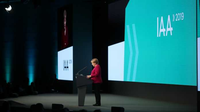 Merkel wird auf IAA zur E-Kanzlerin – Schulterschluss mit Industrie
