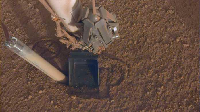 Rückschlag: Mars-Bohrinstrument HP³ buddelt sich selbst wieder aus Loch