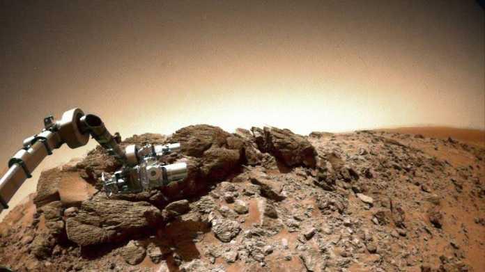 Missing Link: Warum wir (vorerst) nicht auf dem Mars landen sollten