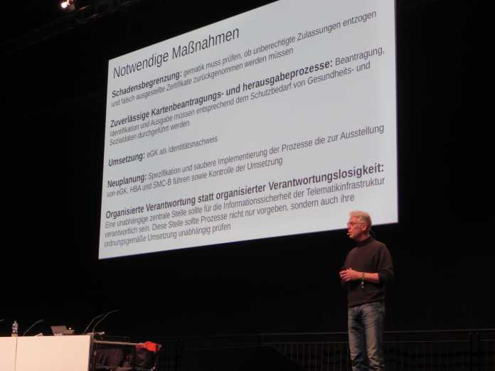 André Zilch präsentiert die Vorschläge über die notwendigen Korrekturmaßnahmen in der Gesundheits-Telematik.