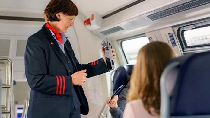 Immer mehr Bahn-Kunden kaufen Fahrkarten per Handy