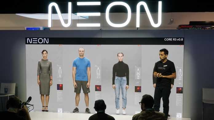 Pranav Mistry von Neon stellte auf der Pressekonferenz seine digitalen Begleiter vor.