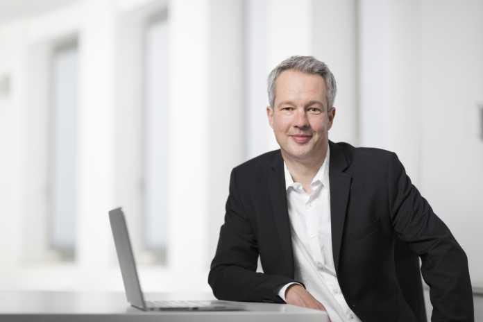 In einem Workshop zeigt Nils Kaczenski, wie man Windows 10 sicher in Unternehmen einsetzen kann.