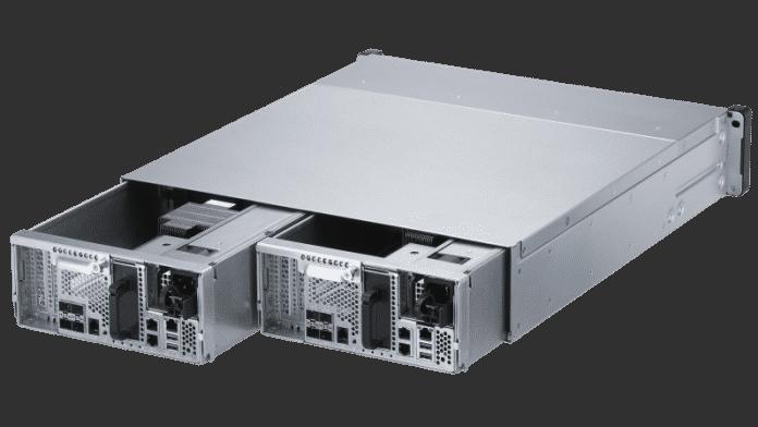 QNAP integriert zwei identische Controller, um die Ausfallsicherheit des ES2486dc zu erhöhen.