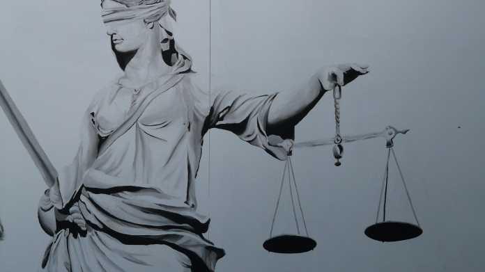 Justizia ist blind