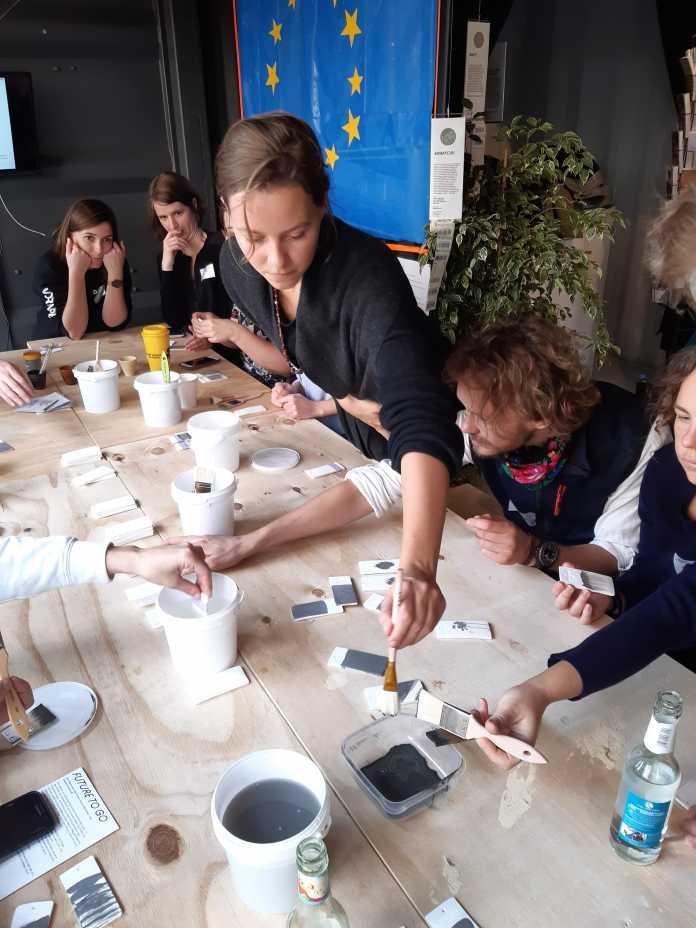Workshop-Teilnehmer bei Smogware in Berlin.