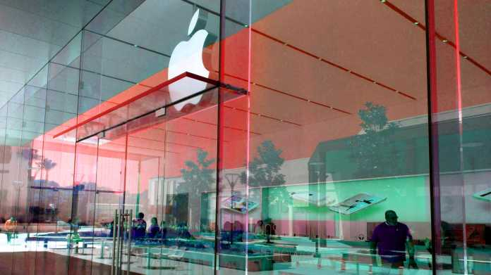 Gläserne Fassade eines Apple-Shops
