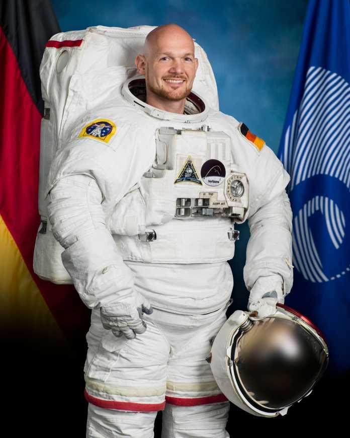 Der deutsche ESA-Astronaut Alexander Gerst in einem Extravehicular Mobility Unit (EMU) - Raumanzug. Er flog 2013 und 2018