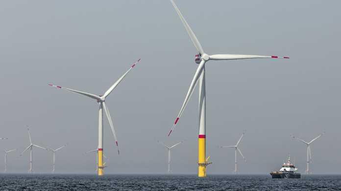 Weiter draußen im Meer müssten die Windräder schwimmen. In Versuchen zeigt sich, dass solche Windkraftanlagen schwierig zu handhaben sind. Das mag sich in den kommenden Jahrzehnten noch ändern.