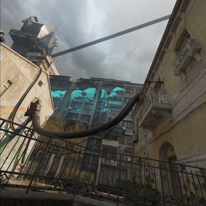 Die Combine nutzen jetzt Propaganda-Projektionen auf Hauswänden.