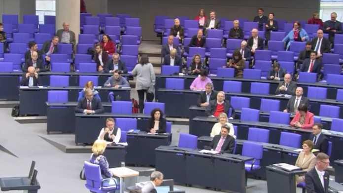 Corona-Krise: Bundestag beschließt weitgehende Reform des Infektionsschutzgesetzes