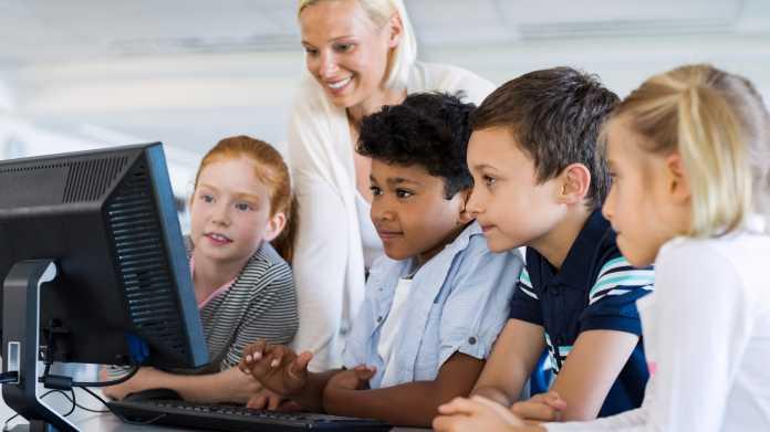 Programmieren für Kinder: Python und Scratch spielerisch lernen über Ostern