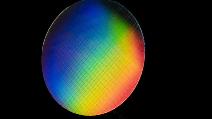 """Intel-Qubits für """"hitzeresistenten"""" Quantencomputer"""
