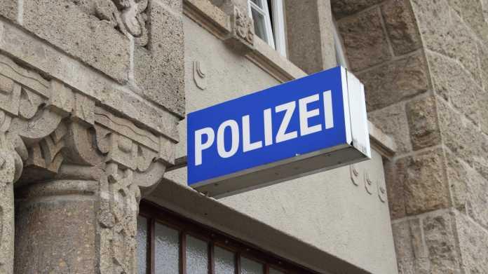 Berliner Polizisten künftig mit Bodycams unterwegs