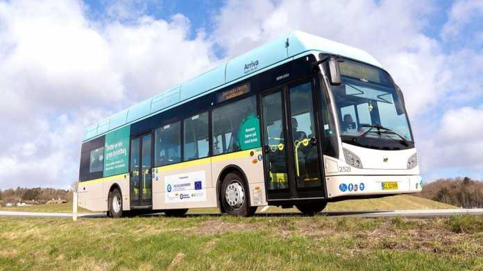 Brennstoffzellen-Busflotte nimmt in Wuppertal Betrieb auf