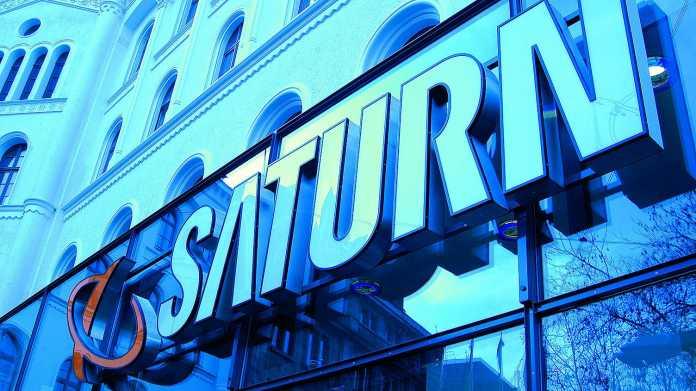 Saturn Schriftzug Fassade