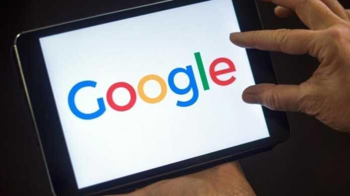 """Tablet, das """"Google"""" anzeigt"""