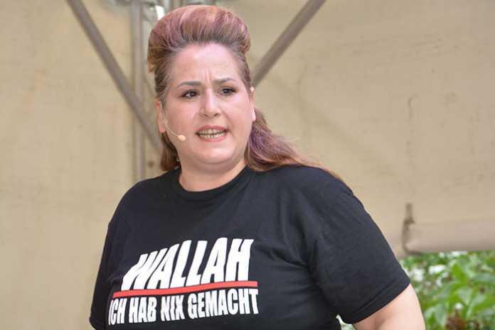 Die Kabarettistin Idil Baydar wurde ebenfalls bedroht. Auffällig: Die Drohschreiben richteten sich fast ausschließlich an Frauen.