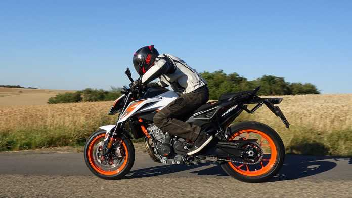 Skalpell am Schlaghammer: Test KTM 890 Duke R