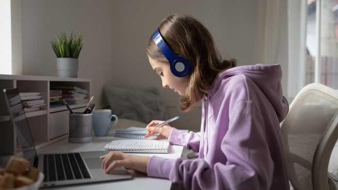 Großbestellung für Laptop-Sofortprogramm für Sachsen-Anhalts Schulen