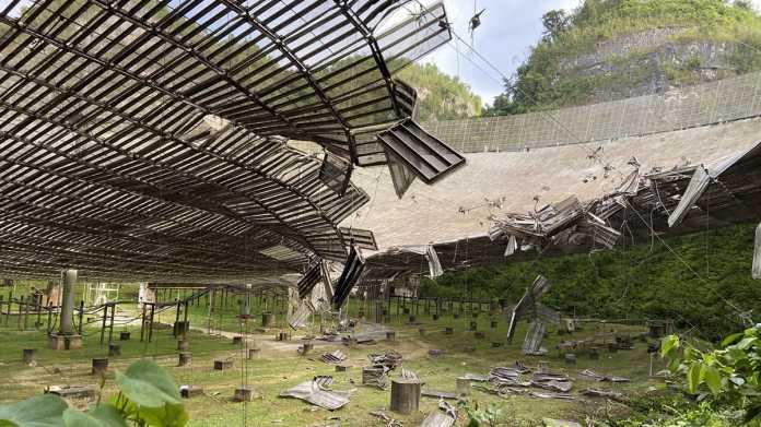Arecibo-Observatorium durch gerissenes Kabel stark beschädigt