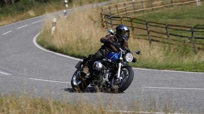 Aiwanger gegen Motorrad-Fahrverbot an Sonn- und Feiertagen