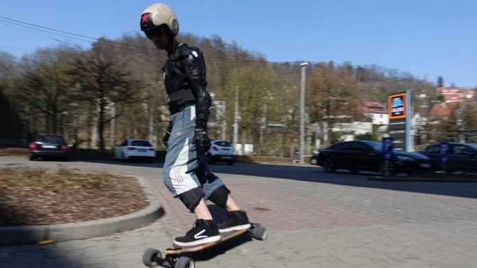 Legales E-Skateboard eingestellt