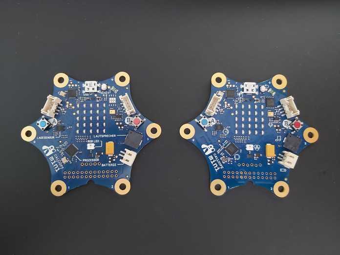 Alt und neu: Links der Calliope mini 1.0, rechts die Version 2.0.