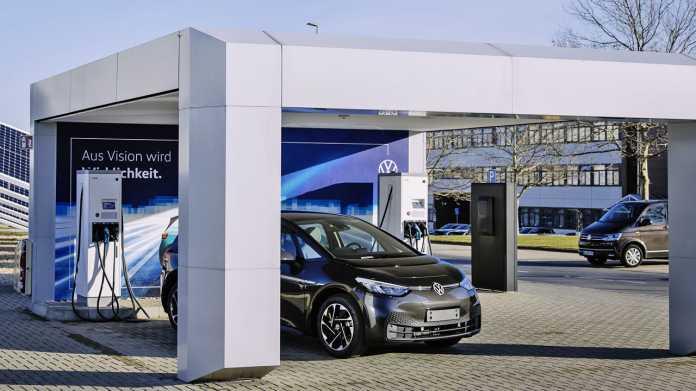 Studie: Noch 2020 überholt VW Tesla, bis 2025 fährt jedes vierte Auto mit Strom