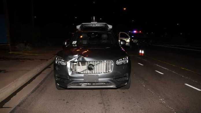 Tödlicher Unfall mit autonomem Auto: Uber-Fahrerin angeklagt