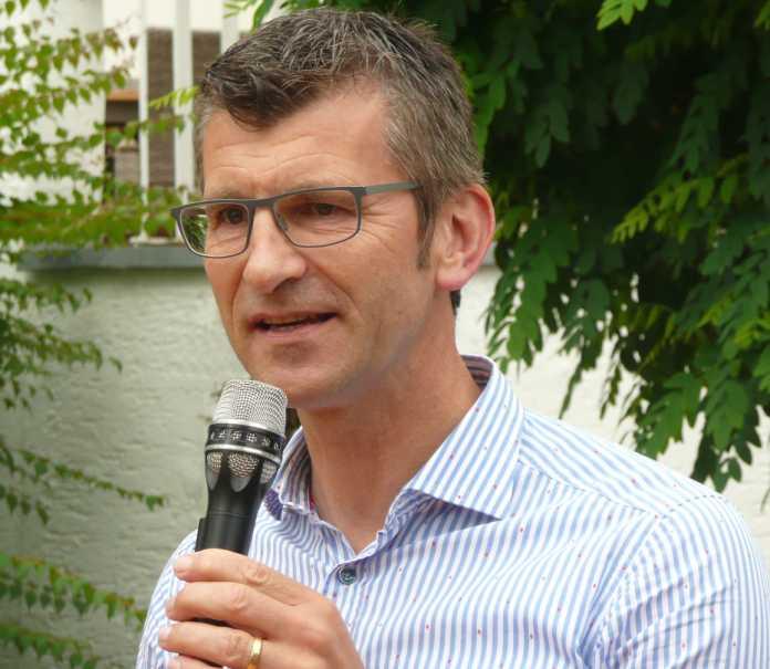 Friedo de Vries, 56, ist seit 2018 Präsident des Landeskriminalamts Niedersachsen. Zuvor war er Polizeivizepräsident der Polizeidirektion Osnabrück, seit 1981 arbeitet er als Polizeibeamter für das Land Niedersachsen.