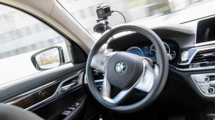 """BMW-Entwicklungschef: """"Autonomes Fahren kommt später"""""""