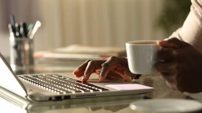 Regierung schafft mehr als 40.000 Computer für Homeoffice an