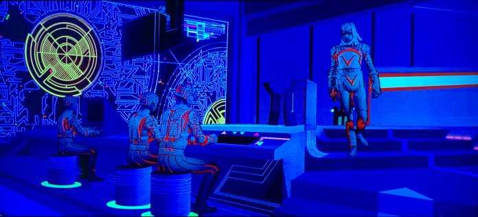 Tron brachte 1982 die Ästhetik von Videospielen in die Kinos.