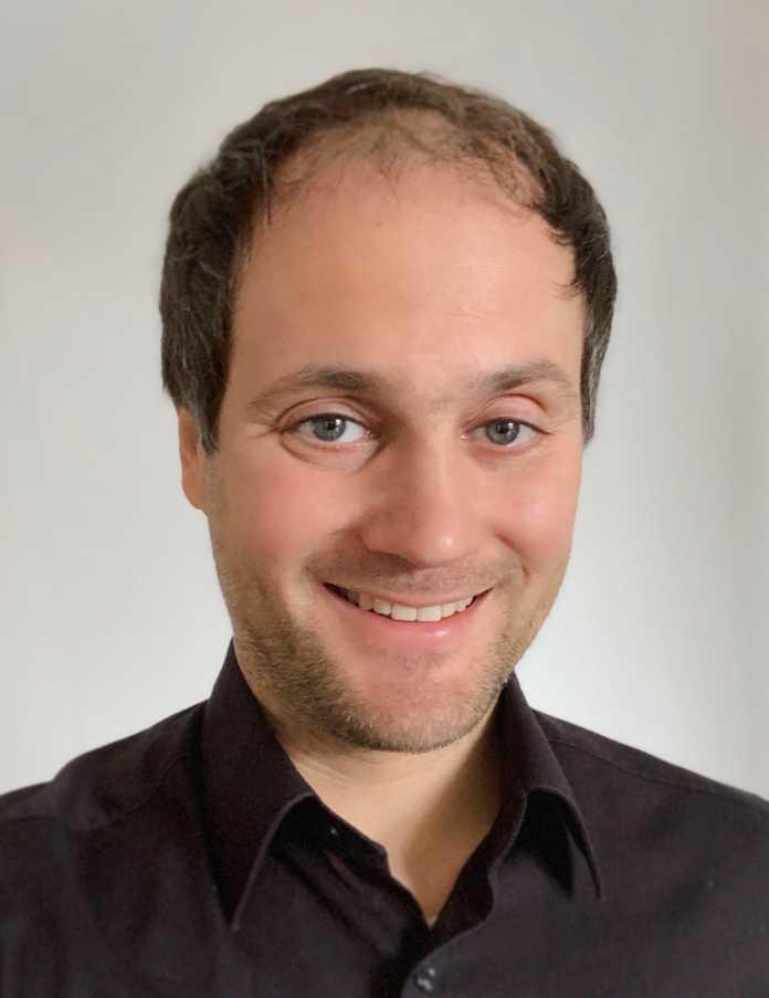 Sebastian Trepesch hält beiliegendes iPhone-Zubehör für Ressourcen- und Geldverschwendung.