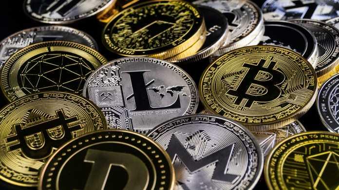 Verschiedene Kryptowährung-Münzen