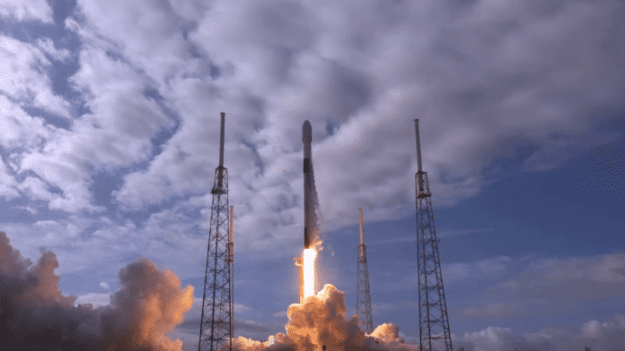 Start der SpaceX Falcon 9 im Januar 2021
