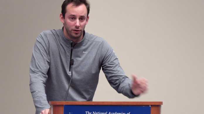 Anthony Levandowski an Rednerpult