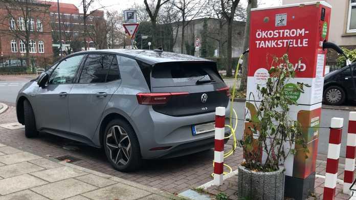 VW ID.3 an einer Ladestation in Bremen