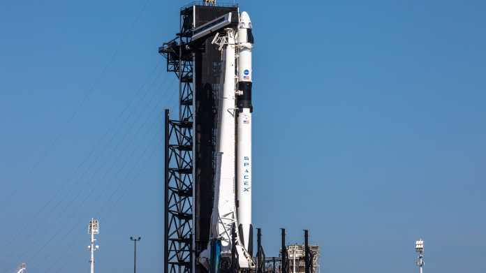 Falcon-9-Rakete auf Startrampe