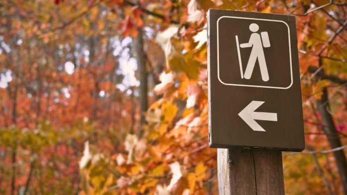 Umfrage: Wanderer wollen trotz Smartphones weiter Wegemarkierungen