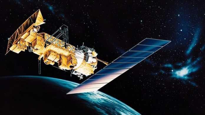 Der Wettersatellit NOAA-17 im Orbit