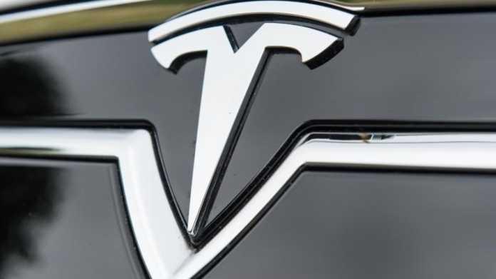 Elektrofahrzeug Tesla S