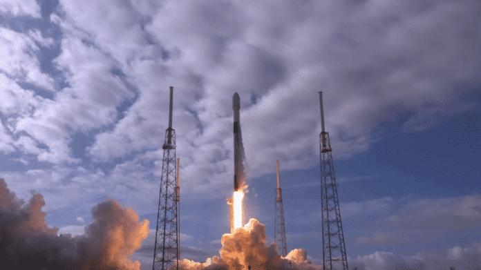 Start der SpaceX Falcon 9 im Januar 2021