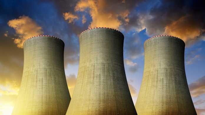 Kühltürme von Kraftwerken