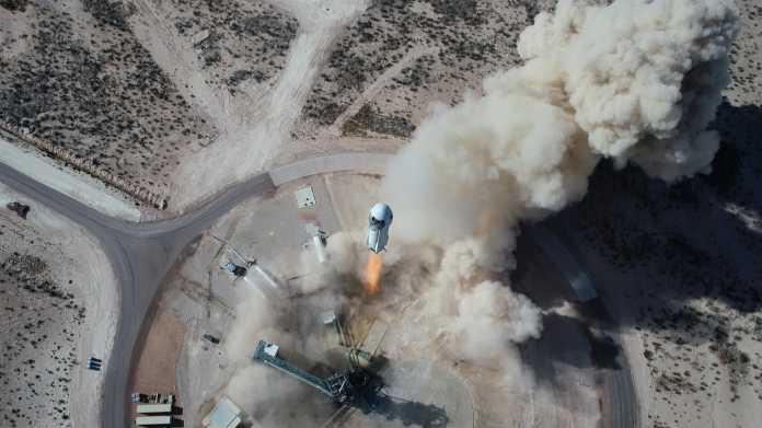 Start einer New Shepard von oben gesehen